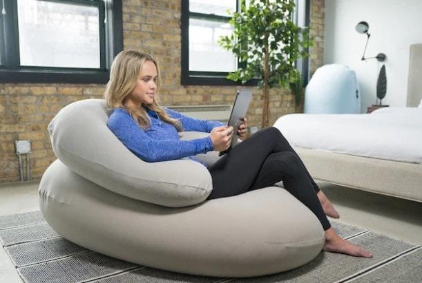 Crescent ergonomic backrest pillow